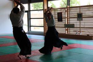 La pratique du bokken nous met ne relation avec le temps et le jo avec l'espace
